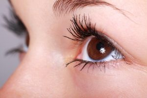 ¿Cómo cuidar tus ojos de manera natural?